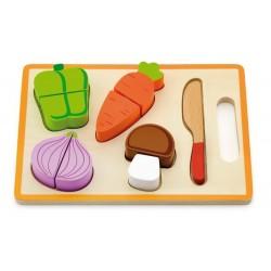 Warzywa na desce drewniana zabawka