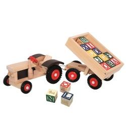 Traktor z przyczepką i klockami literkowymi